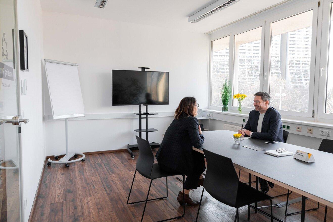 Andys Coworking Center Anton Baumgartner Strasse Meetingroom