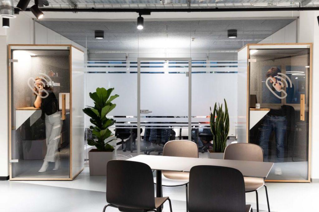 Coworking Space -  Professionelle Infrastruktur mit Phonebooths